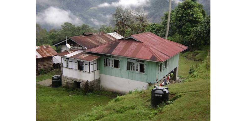 Himalayan Homestay in Kewzing