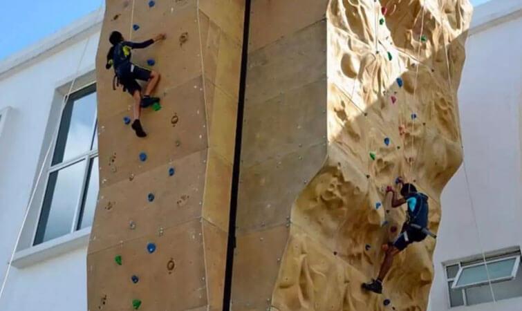 Artificial Wall Climbing